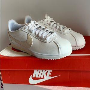 Nike Cortez sneakers *New*